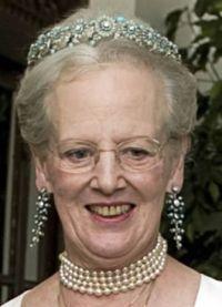 Queen Margrethe ii of Denmark wearing the Turquoise Daisy Bandeau and earrings George Vi, Roi George, Elizabeth Ii, Camilla, Denmark Royal Family, Balmain Designer, Christian Ix, Maria Feodorovna, Queen Margrethe Ii