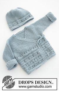 Odeta / DROPS Baby 31-3 - Das Set umfasst: Gestrickte Jacke mit angestrickten Ärmeln und Schühchen mit Lochmuster und Krausrippen für Babys. Größe Frühchen - 4 Jahre. Das Set wird gestrickt in DROPS BabyMerino.