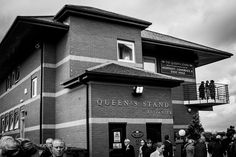 Queens Stand by mmoscosa, via Flickr