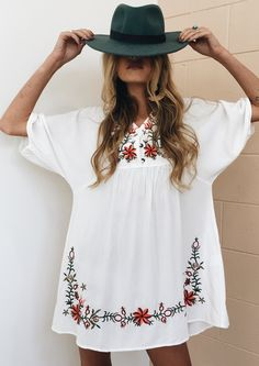 summer outfits White Embroidered Dress + Grey Hat
