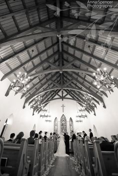 Wedding ceremony at the Cloister Chapel on Sea Island. Anna and Spencer Photography.