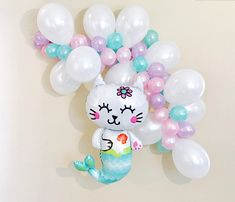 Super diy table centerpieces birthday little mermaids ideas Cat Birthday, 6th Birthday Parties, Mermaid Birthday, Diy Dog Gifts, Diy Gifts For Mothers, Balloon Garland, Balloon Decorations, Cat Balloon, Mermaid Balloons