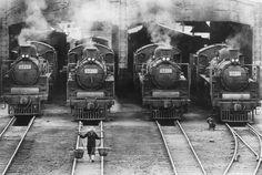 Steam Locomotives (Keelung, Taiwan, 1959) by Sang-xi Zheng    蒸汽火車頭(1959)/ 鄭桑溪
