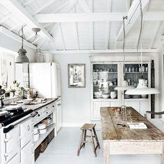 Kitchen | Take a tour around a Cornish cream house on the sea | House tour | Livingetc | PHOTO GALLERY
