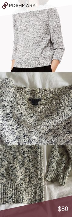 """Theory marked crewneck sweater sz S Super cozy and soft sweater by Theory. """"Marled"""" is how the pattern/fabric is described. Black and white knit. Super cozy and soft. Long sleeves with a crew neck. Forgiving fit- meant to fit a little loosely. Size small womens. Theory Sweaters Crew & Scoop Necks"""