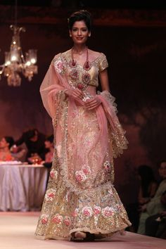 Perfect way to wear gold and soft tones! By Pallavi Jaikishan