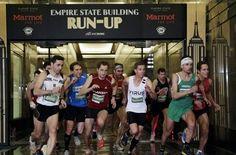 Treppenläufer Thomas Dold war diesmal nicht am Start. Trotzdem hat ein deutscher Läufer die 1576 Treppenstufen am schnellsten bewältigt. Christian Riedl siegte beim diesjährigen Treppenlauf im Empire State Building.