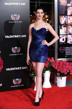 "Anne Hathaway - Premiere Of New Line Cinema's ""Valentine's Day"" - Arrivals"