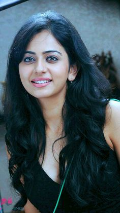 Picture 4 of Rakul Preet Singh Beautiful Bollywood Actress, Most Beautiful Indian Actress, Beautiful Actresses, India Beauty, Asian Beauty, Indian Celebrities, Woman Crush, Fashion Week, Pretty Face