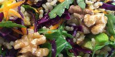 Ensalada de nueces, calabacines y zanahorias alcalina