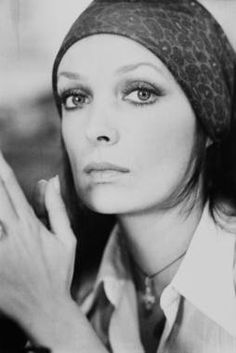 Marie Laforêt, Delon, French Girls, Celebs, Celebrities, Mona Lisa, Band, Portrait, Artwork