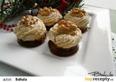Ořechové hrudky s karamelovým krémem recept - TopRecepty.cz Czech Recipes, Russian Recipes, Desert Recipes, Food Hacks, Christmas Cookies, Nutella, Pavlova, Sweet Recipes, Cookie Recipes