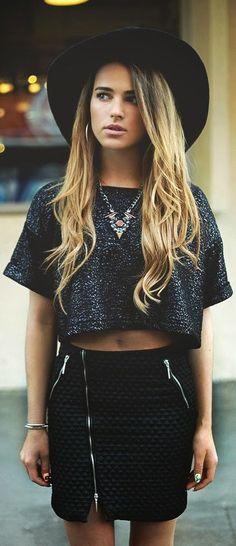 //Young fashion street style edgy vibe #brilhos #metalizados #malhas #matelasses #FocusTextil