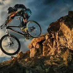 Enduro #MTB - For more great pics, follow www.bikeengines.com