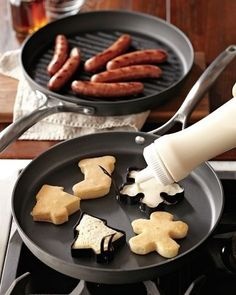 Use Christmas cookie cutters to make pancake shapes. |  only if you have metal ones... dont try this with plastic cutters folks.