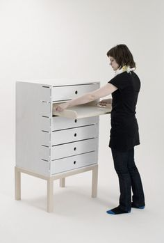 MOVABLE WORKING SURFACES AND STORAGE, Brilliant idea! Would make putting away the unfinished projects so much easier.