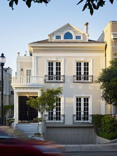 Traditional Exterior Design, Pictures, Remodel, Decor and Ideas - page 2 - Welcome Home - Fachadas Exterior Paint, Exterior Design, Exterior Cladding, Facade Design, Charleston Homes, Traditional Exterior, Colonial Exterior, Humble Abode, My Dream Home
