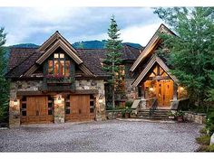 Mountain Lodge Style Home -Aspen Future House, My House, Cottage House, House Floor, Casas Country, Mountain Homes, Mountain Style, Mountain Home Plans, Mountain House Decor