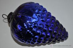 Antiguo racimo de cristal cobalto para la decoración de navidad en todocoleccion.
