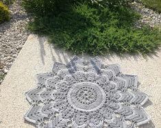 This beautiful romantic small rug is handmade, crochet. Handmade Rugs, Handmade Items, Shabby Chic Lamps, Beautiful Patterns, Small Rugs, Boho Style, Boho Fashion, Macrame, Outdoor Blanket