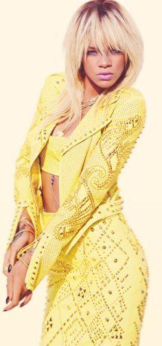 Rhianna in Versace