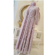 Muslim Fashion, Modest Fashion, Hijab Fashion, Fashion Dresses, Beautiful Dress Designs, Beautiful Dresses, Evening Outfits, Evening Dresses, Muslim Wedding Gown