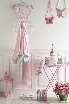 Banyolarınıza yumuşak bir dokunuş English Home'dan! Alışveriş için tıklayabilirsiniz. #englishhome #bornoz #havlu #bathroom #towel