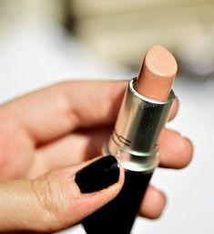 Molto spesso ci troviamo di fronte a prodotti che promettono cose che non mantengono: cosmetici che si spacciano per cruelty-free quando in realtà