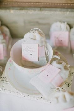 muslin favor bags filled with loose tea