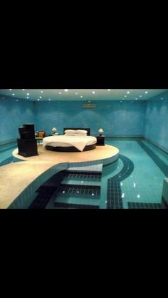 Swimming pool in your bedroom:)