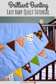 With this brilliant bunting covered easy baby quilt tutorial, anyone can make a fun and inviting baby blanket. Instead of buying, make a baby quilt. Baby Quilt Tutorials, Baby Quilt Patterns, Sewing Patterns Free, Free Sewing, Quilting Patterns, Quilting Ideas, Quilting Projects, Baby Bunting, Quilting For Beginners