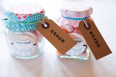 12 heartfelt DIY bridal ceremony favours that your guests will love! Wedding Favour Sweets, Popcorn Wedding Favors, Sweet Wedding Favors, Wedding Favours Luxury, Vintage Wedding Favors, Old Fashioned Sweets, Cheap Favors, Candle Favors, Plan Your Wedding