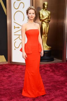 Jennifer Lawrence in a red Dior Couture gown. Oscars '14.