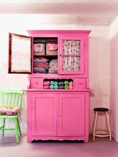 upcycle a vintage sideboard cabinet - paint it Pink!