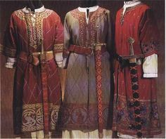 """shows strong Viking &/or Byzantine (Varangian blend? (*the board I pinned this from had it labelled as """"Viking"""" but it comes from a book on early medieval Italy) Medieval Costume, Medieval Dress, Medieval Fair, Historical Costume, Historical Clothing, Vikings, Viking Garb, Viking Tunic, Viking Clothing"""
