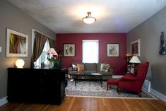 11 Beautiful Deep Red Living Room Color Schemes For Inspiration — BreakPR Grey And Red Living Room, Burgundy Living Room, Accent Walls In Living Room, Bedroom Wall Colors, Room Paint Colors, Paint Colors For Living Room, New Living Room, Living Room Decor, Cozy Living
