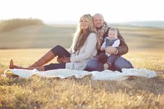 Love this family posing