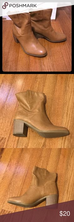 BOOTS Never worn. Nice texture. Great boot!! Shoes Ankle Boots & Booties