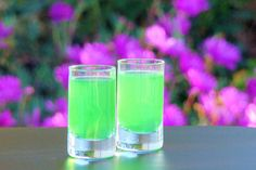 Make The Wizard of Oz and see yourself in the Emerald City, with a horse of a different color, hangin' with the Munchkins. A superb drink that's out of this world.