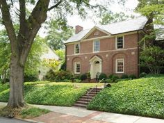 Five Beautiful Houses: Brookwood Hills Redefined�2015 Home Tour