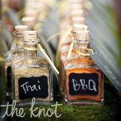 Great favor for a couple that is blending their two cultures. Guests grabbed Thai- and barbeque-flavored spice blends to take home at the end of the night.
