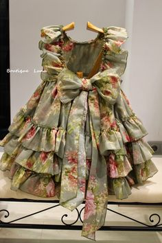 BOUTIQUE LUNA : LA MARQUESITA REAL VERANO 2015 Baby Girl Frocks, Frocks For Girls, Dresses Kids Girl, Little Girl Dresses, Kids Outfits, Girls Frock Design, Kids Frocks Design, Baby Frocks Designs, Baby Dress Design