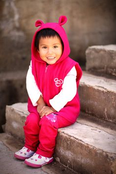 When little Estheysi from #Bolivia needed urgent heart surgery, her mother, Lizeth, was terrified. But Lizeth and Estheysi's enrolment in the Child Survival Program meant that they weren't alone. Compassion helped cover the costs of the surgery and Estheysi was able to have the surgery she so urgently needed. Now the bubbly toddler is healthy and happy with the most adorable grin!