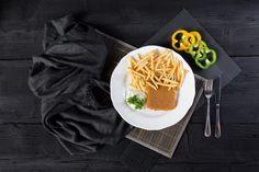 Jedlo - Vyprážaný syr s hranolkami