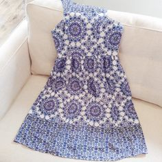 sorry,right now I'm obsessed with white dresses or blouses with blue embroidery patterns!!! i want one so bad! ♥️