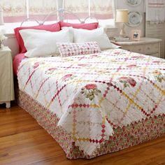 Sweet Retreat Bed Quilt