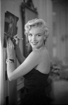 Marilyn Monroe photographed by George Barris, 1954.
