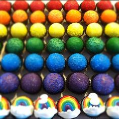 cake ballers cake balls! Rainbows make any day bright! www.thecakeballers.com #thecakeballers #rainbow