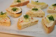 Sandwichuri cu pasta de peste afumat Sandwiches, Romanian Food, Mashed Potatoes, Sushi, Seafood, Beverages, Cheese, Ethnic Recipes, Mai
