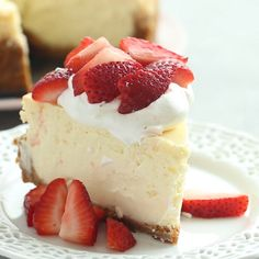 cheesecake recipes This Baked Vanilla Cheesecake is super creamy and not as heavy as traditional baked cheesecake thanks to a good dose of sour cream or Greek yogurt its soft and luscious and perfect with fresh berries! Includes step by step recipe video. No Bake Vanilla Cheesecake, Best Cheesecake, Easy Cheesecake Recipes, Cheesecake Desserts, Dessert Recipes, Fluffy Cheesecake, Chocolate Cheesecake, Strawberry Cheesecake Lush Recipe, Healthy Recipes